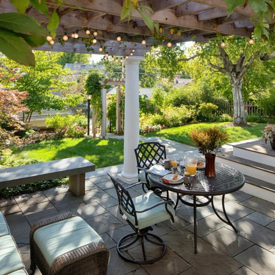 outdoor living pergola