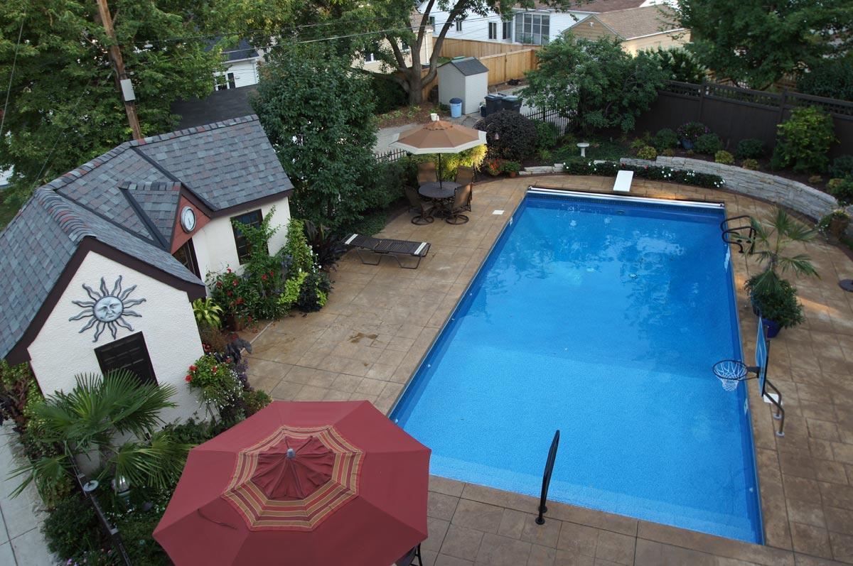 pool house concrete deck