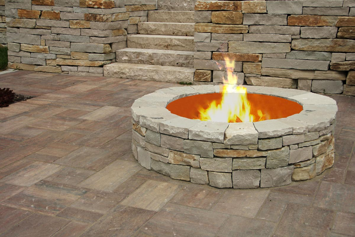 round wood fire pit