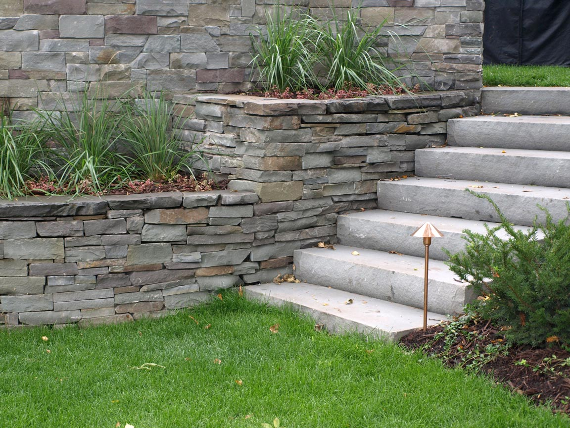 bluestone steps walls