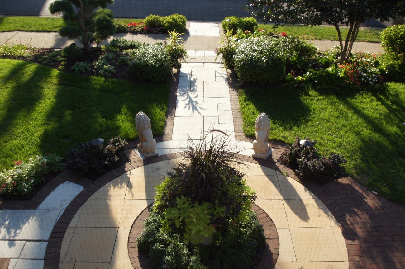 frontyard walk