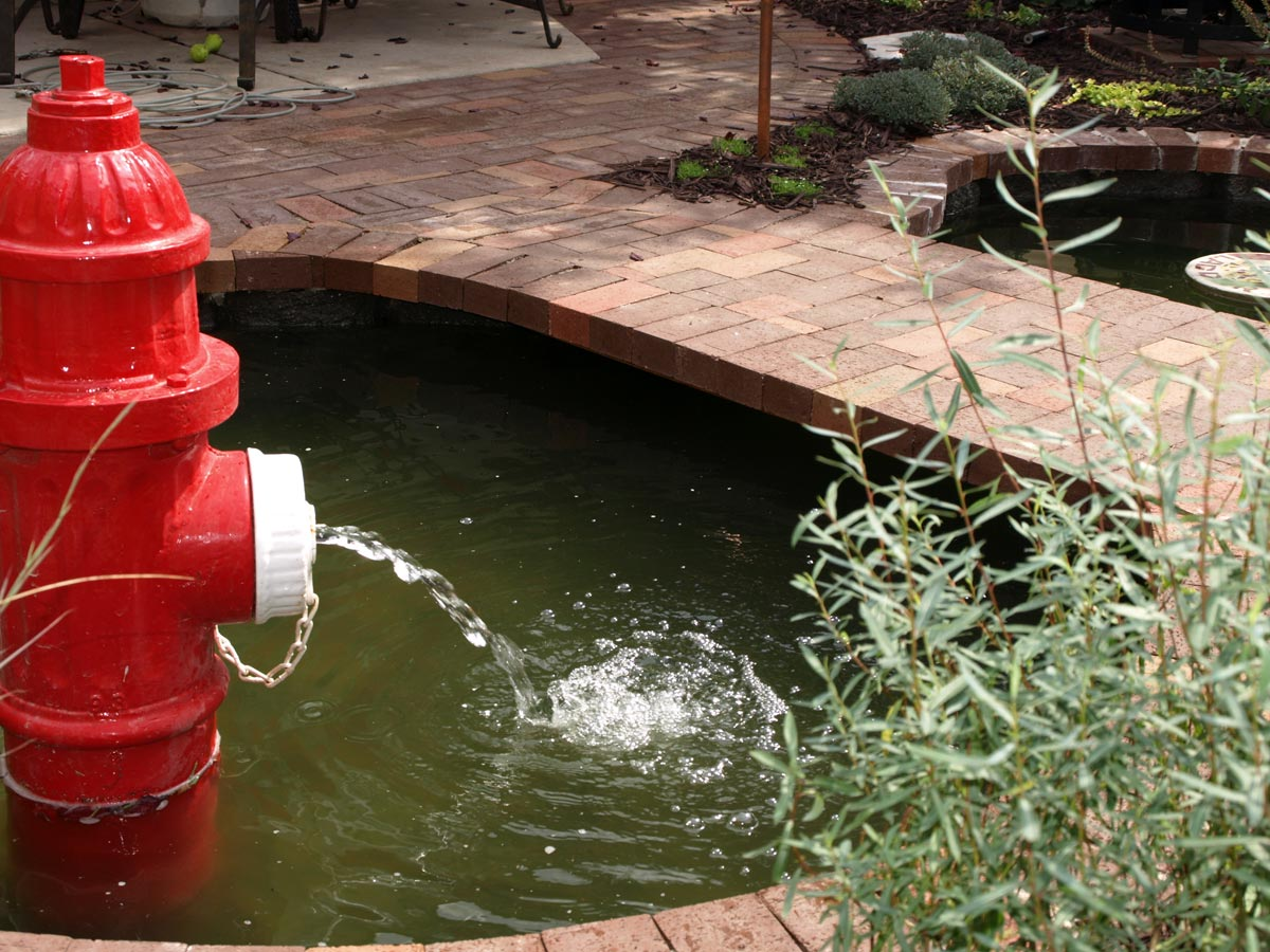 hydrant fountain pool