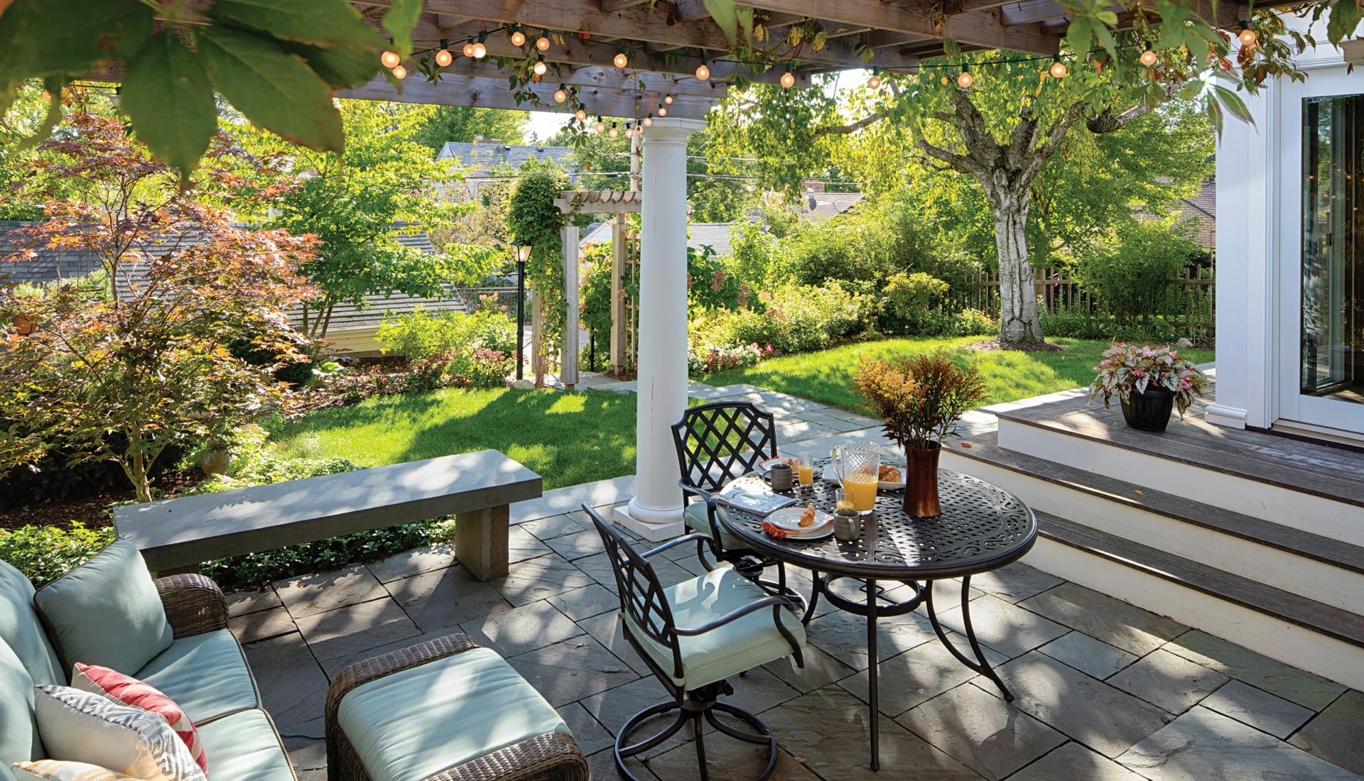 minneapolis backyard pergola