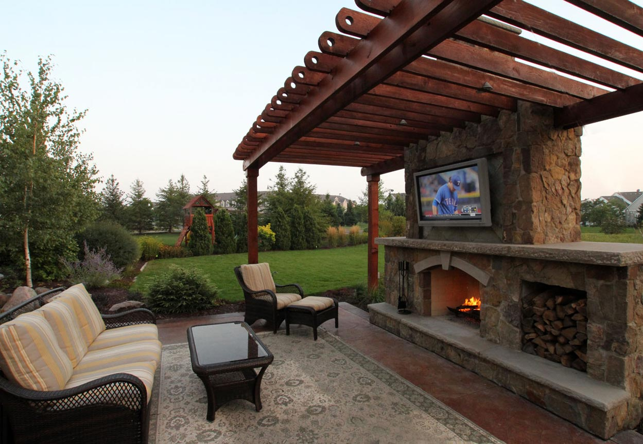 Rustic Outdoor Living Room | Ground One on Outdoor Living And Patio id=56818