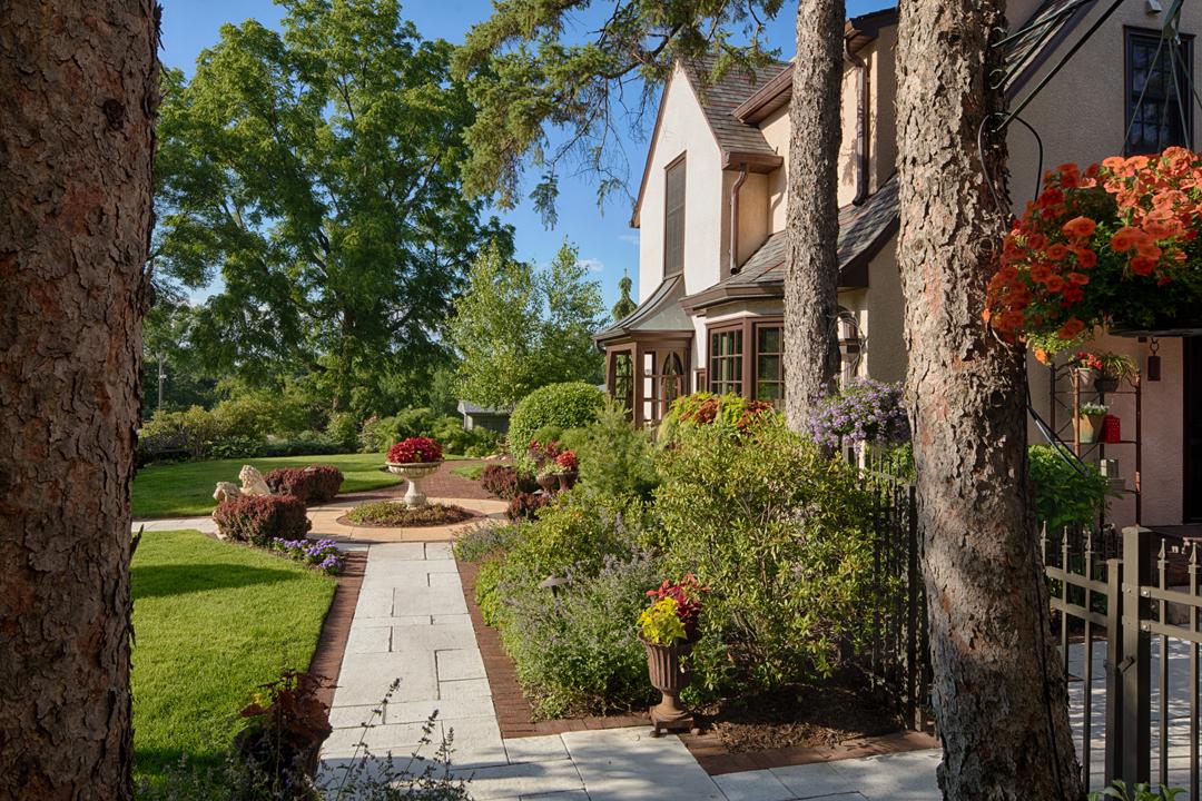 frontyard garden