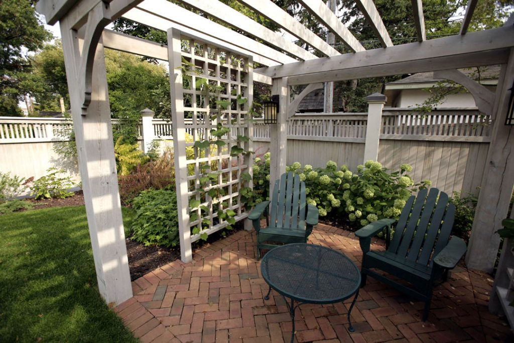 pergola & landscaping company in Twin Cities MN