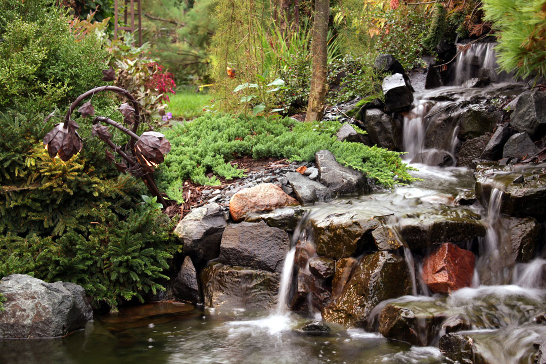 stone+waterfall+garden